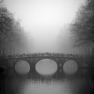 Bridge on Keizersgracht, Amsterdam, Netherlands - CUF41489