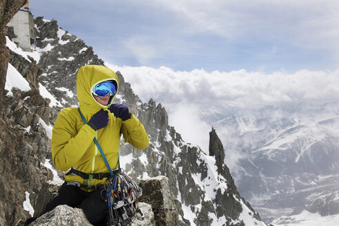 Mid adult woman in mountains, Chamonix, France - CUF42406