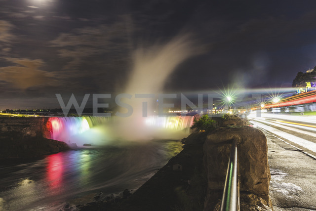 Canada, Ontario, Niagara Falls at night - WPEF00699 - William Perugini/Westend61
