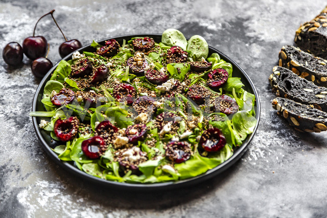 Lamb's lettuce with cherries, feta cheese, roasted sesame and black sepia spelt bread - SARF03854