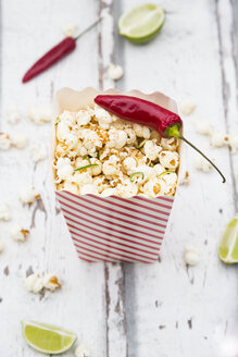 Box of popcorn flavoured with chili and lime - LVF07316
