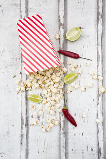 Box of popcorn flavoured with chili and lime - LVF07319