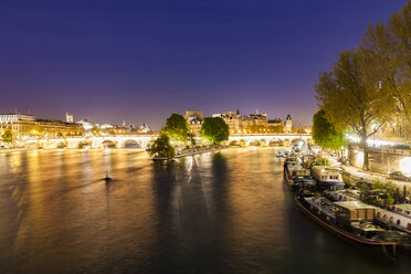 France, Paris, Houseboats near Pont Neuf - WDF04720
