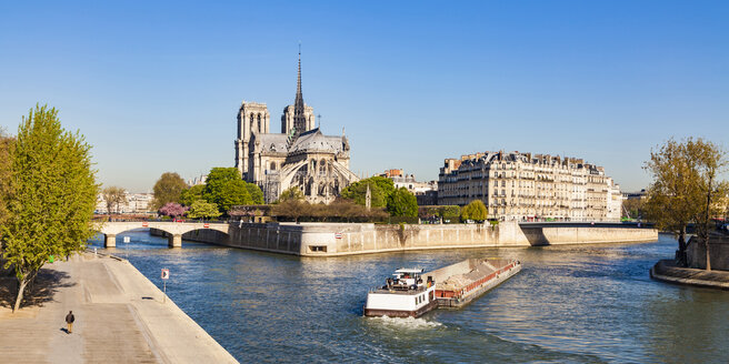 France, Paris, Notre Dame Cathedral and fright ship on Seine river - WDF04726