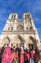 Franve, Parise, Tourists visiting Notre Dame cathedral - WD04744