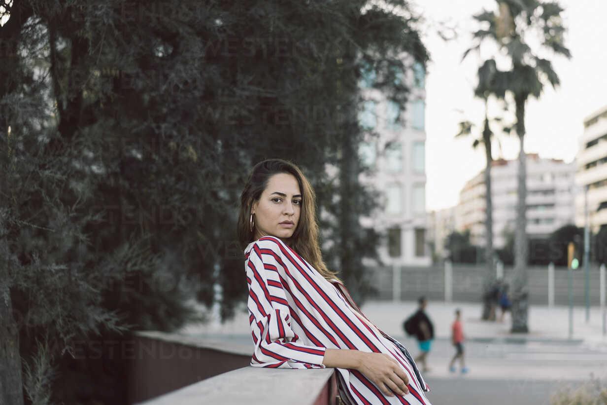 Portrait of woman wearing striped shirt - AFVF00859 - VITTA GALLERY/Westend61