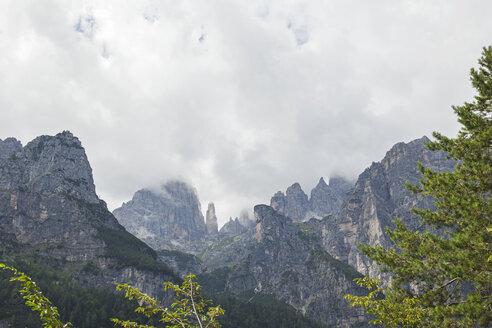 Italy, Trentino, Brenta Dolomites, Parco Naturale Adamello Brenta, Campanile Basso - GWF05583