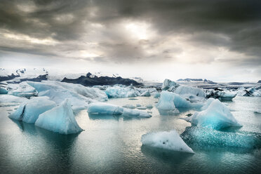 Iceland, South of Iceland, Joekulsarlon glacier lake, icebergs - DMOF00070
