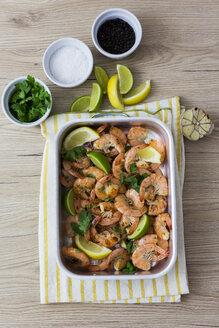 Shrimps in baking dish - GIOF03981
