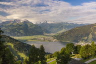 Austria, Salzburg State, Zell am See, View of Zell lake with Kitzsteinhorn in the background - AIF00505