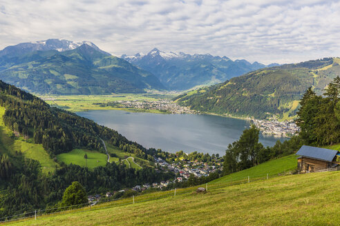 Austria, Salzburg State, Zell am See, Zell lake, Kitzsteinhorn in the background - AIF00508
