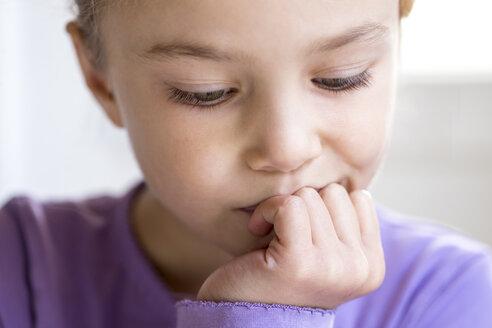 Portrait of pensive little girl, close-up - JFEF00898