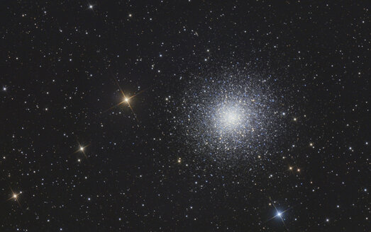 Astrophotography, globular cluster Messier 13 or Hercules Cluster - THGF00067