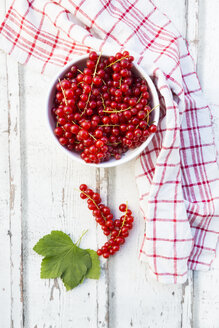 Bowl of red currants - LVF07346