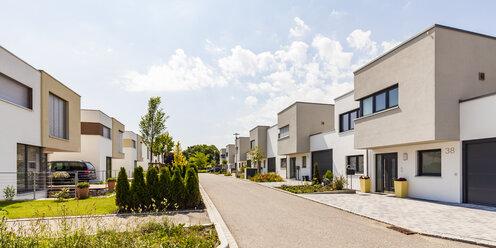 Germany, Bavaria, Neu-Ulm, modern one-family houses, efficiency houses - WDF04772