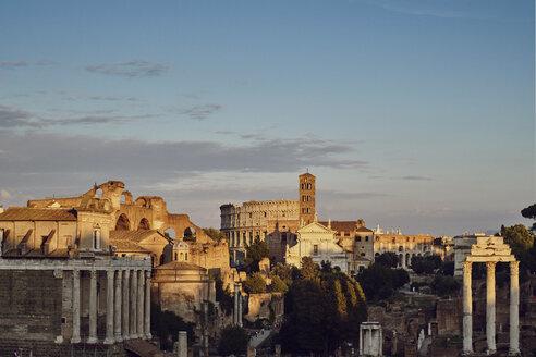 Italy, Lazio, Rome, cityview, Colosseum - BZF00431