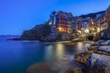 Italy, Liguria, La Spezia, Cinque Terre National Park, Riomaggiore at blue hour - RPSF00209