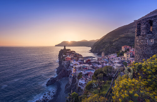Italy, Liguria, La Spezia, Cinque Terre National Park, Vernazza at sunset - RPSF00224