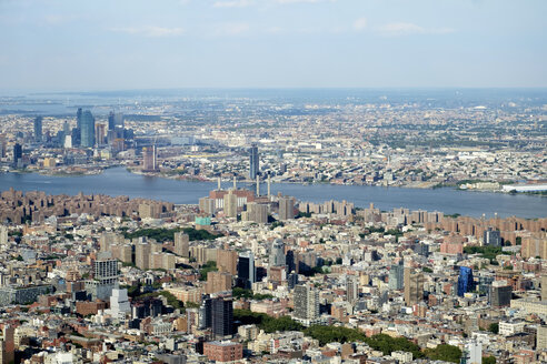 USA, New York, Manhattan, East River - HLF01103
