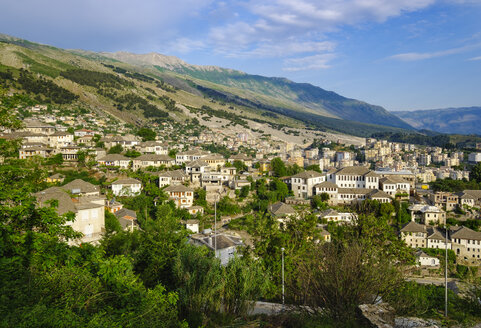 Albania, Gjirokaster, city view and Mali i Gjere mountains - SIEF07843