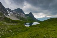 Germany, Bavaria, Allgaeu, Allgaeu Alps, Lake Rappensee, Hochrappenkopf and Small Rappenkopf - WGF01210