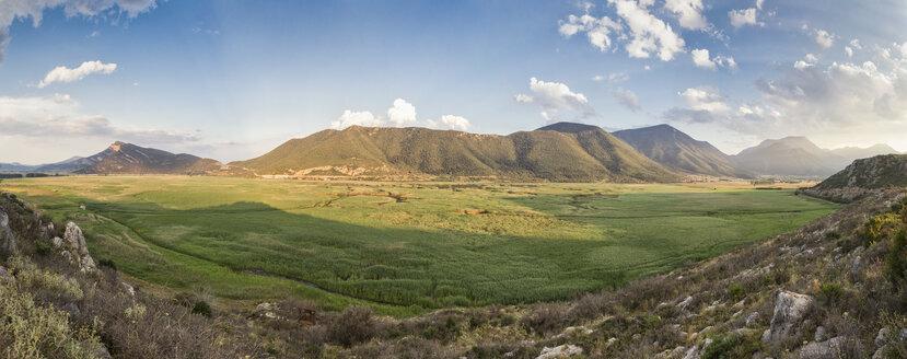 Greece, Peloponnese, Corinthia, Stymfalia, Panoramic view of ancient plateau, Lake Stymphalia - MAMF00173