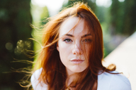 Portrait of young redheaded woman - GIOF04215
