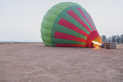 Morocco, Taza Province, air balloon being filled with heated air - MMA00499