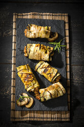 Grilled aubergine slices stuffed with mince meat, champignons and goat cheese - MAEF12713