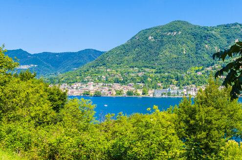 Italy, Lombardy, Salo, Lake Garda - MHF00447