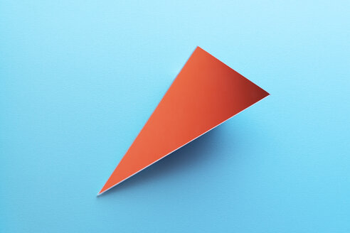 Triangle shaped mirror on light blue ground, 3D Rendering - DRBF00077