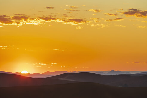 Africa, Namibia, Namib desert, Naukluft National Park, sand dunes at sunrise - FOF10084