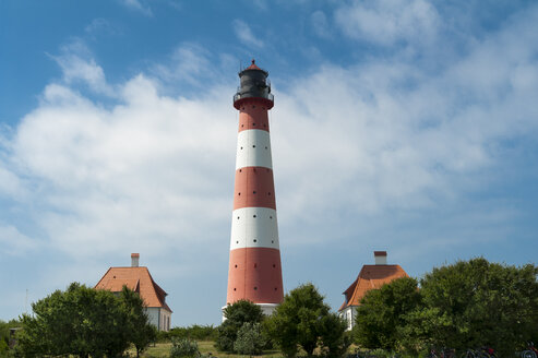 Germany, Schleswig-Holstein, Westerhever, Westerheversand Lighthouse - UMF00860