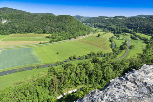 Germany, Franconian Switzerland, Burg Neideck, View from lookout, Rott river - FDF00246