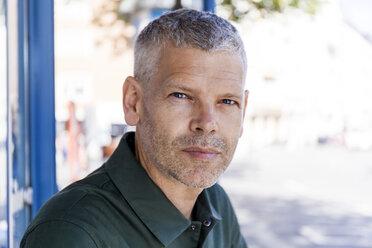 Portrait of a mature man outdoors - TCF05694