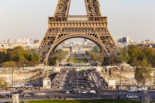 France, Paris, Eiffel Tower, Pont d'lena, Place de Varsovie - WDF04800