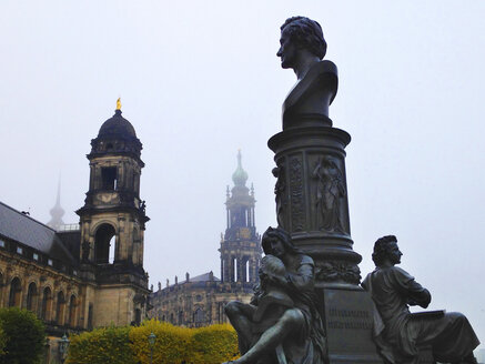 Germany, Saxony, Dresden, Monument of Ernst Rietschel, Higher Regional Court and Dresden Cathedral - WWF04252