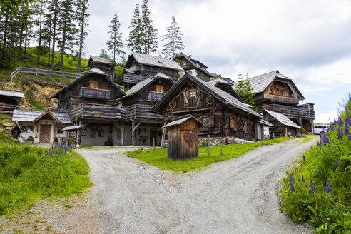 Austria, Carinthia, Katschberg, wooden houses - JUNF01122