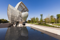 France, Paris, Bois de Boulogne, Fondation Louis Vuitton, Art Museum, Architect Frank Gehry - WD04817