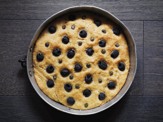 Home-baked Focaccia with black olives - RAMAF00041