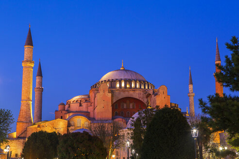 Turkey, Istanbul, Hagia Sofia Mosque at blue hour - JUNF01150