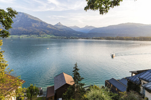 Austria, Salzburg State, Salzkammergut, St. Wolfgang at Lake Wolfgangsee - JUNF01157