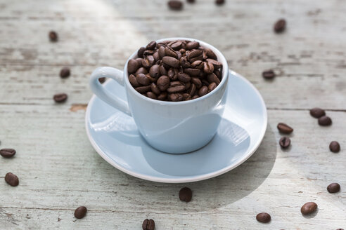 Espresso cup of roasted coffee beans - JUNF01158