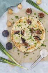 Homemade Tarte Flambee with figs, spring onions and goat cheese - JUNF01225