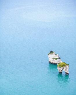 Italy, Puglia, Mattinata, Adriatic Sea, Faraglioni di Puglia rocks - FLMF00011