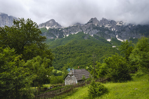 Albania, Kukes County, Rragam, Albanian Alps, Valbona National Park, old farm house - SIEF08017