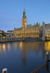 Germany, Hamburg, City Hall and little alster in the evening - RJF00809