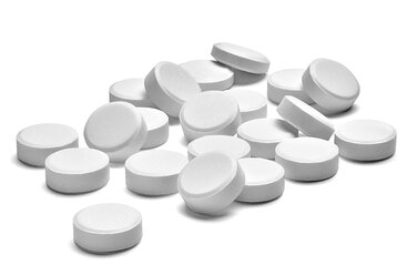 White pills on white background, close-up - RAMF00070