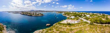 Spain, Mallorca, Portocolom, Punta de ses Crestes, Bay of Portocolom and Cala Parbacana - AMF05905