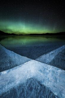 Aurora over frozen Abraham Lake - AURF04882